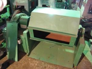 nail polishing machine