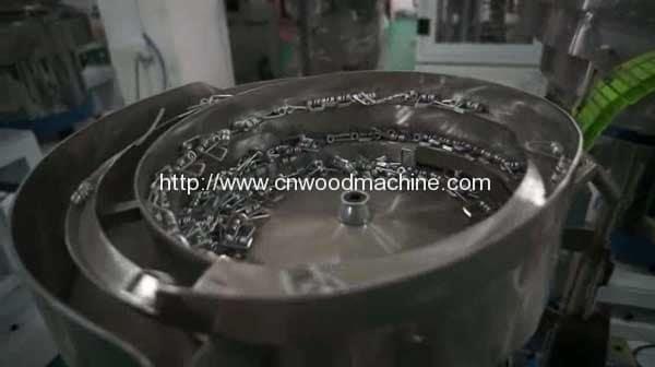 Full-Automatic-Single-Unit-Clothes-Peg-Assembling-Machine-2
