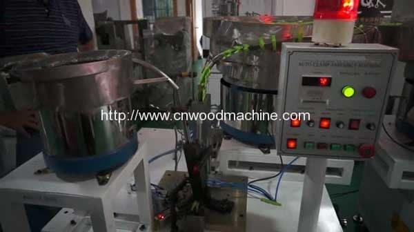 Full-Automatic-Single-Unit-Clothes-Peg-Assembling-Machine