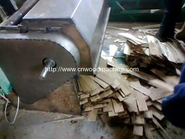 Wood-Plate-Timber-Cutting-Machine-2