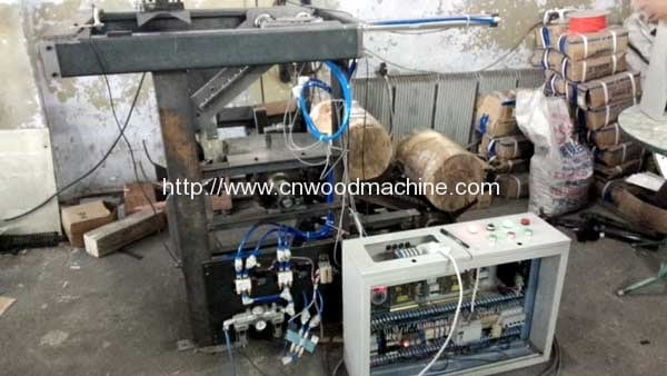 Wood-Log-Loading-Machine-for-Spindle-Rotary-Cutting-Machine