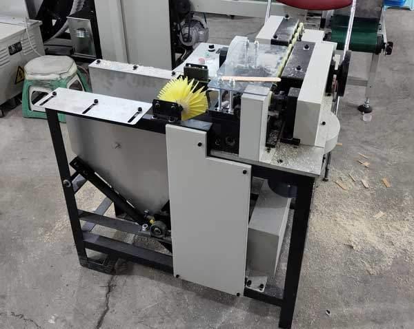Automatic-Wooden-Tongue-Depressor-Chamfer-Machine-for-Peru-Customer