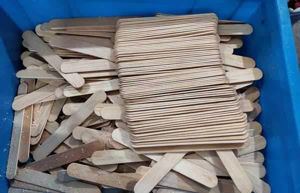 Wooden-Tongue-Depressor-Chamfering-Machine-for-Peru