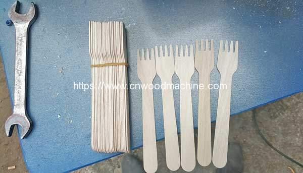 Automatic-Wooden-Fork-Teeth-Machine-for-Ukraine-Customer