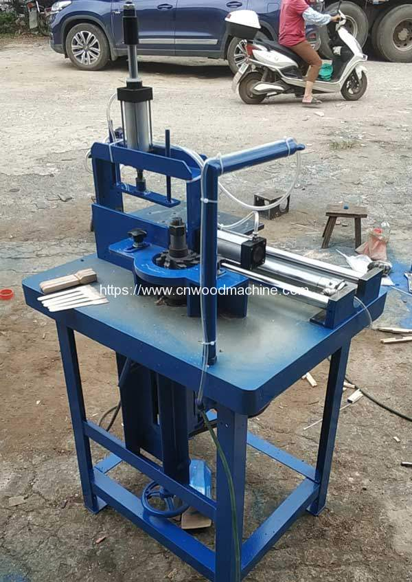 Automatic-Wooden-Fork-Teeth-Making-Machine-for-Ukraine-Customer